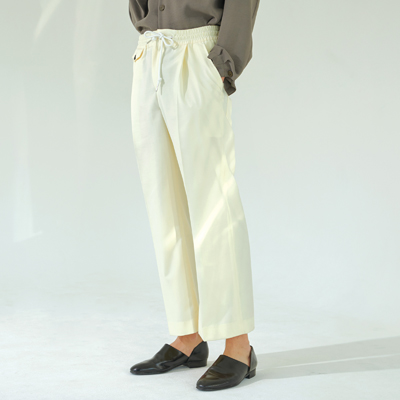 Wide banding slacks (cream)